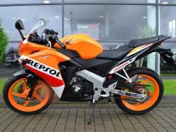 Honda CBR 125R REPSOL - KAT. B!!