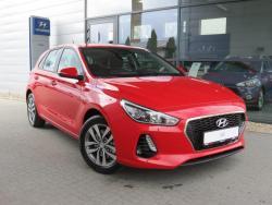 Hyundai i30 1.4 MPI (100 KM) PREMIER COMFORT Engine Red